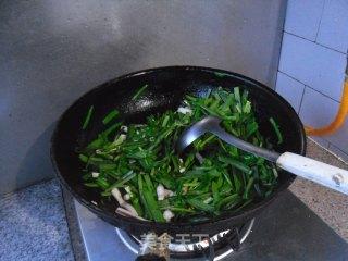 鱿鱼条炒韭菜的做法_鱿鱼条炒韭菜怎么做_馋嘴乐的菜谱
