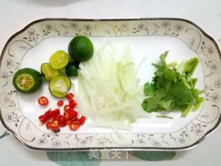 泰式风情拌鱿鱼的做法_泰式风情拌鱿鱼怎么做_飞舞的夏花的菜谱