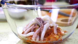 韩式鱿鱼泡菜饼的做法_韩式鱿鱼泡菜饼怎么做_朝族媳妇辣白菜的菜谱