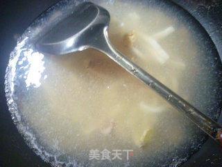 韭菜花炒鱿鱼的做法_韭菜花炒鱿鱼怎么做_花鱼儿的菜谱