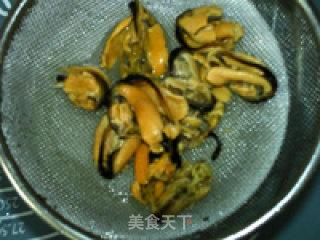 蛋清茼蒿淡菜汤的做法_蛋清茼蒿淡菜汤怎么做_食·色的菜谱