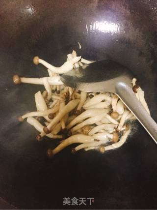 淡菜肉炒蘑菇的做法_淡菜肉炒蘑菇怎么做_慧慧_ernEwQ的菜谱