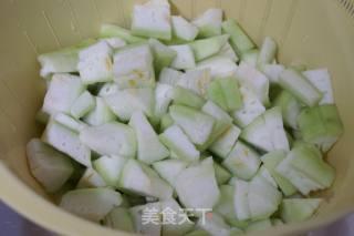 淡菜木耳烩丝瓜的做法_淡菜木耳烩丝瓜怎么做