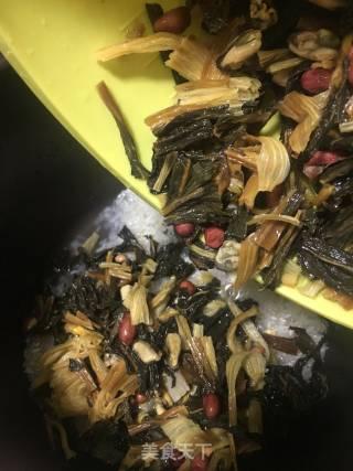 咸猪骨菜干粥的做法_咸猪骨菜干粥怎么做_肥肥美食的菜谱
