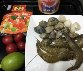 冬阴功汤的做法_在家就能喝的泰国海鲜冬阴功汤-简单易操作_冬阴功汤怎么做_杏梧的菜谱