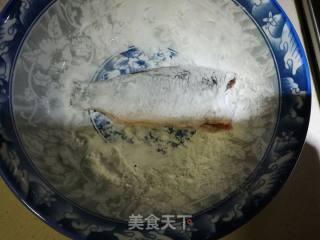 酥炸小鲫鱼的做法_酥炸小鲫鱼怎么做_烟雨心灵的菜谱