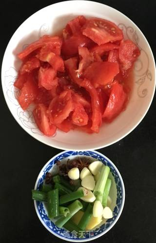 番茄烧鲤鱼的做法_番茄烧鲤鱼怎么做_碗里姜膳的菜谱