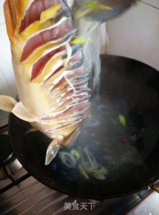 葱油鲤鱼的做法_葱油鲤鱼怎么做_冷眼看四周的菜谱