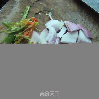 洋葱煎鱼的做法_洋葱煎鱼怎么做_水青青的菜谱