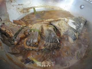 酱烧鲤鱼的做法_酱烧鲤鱼怎么做_金凤栖梧的菜谱