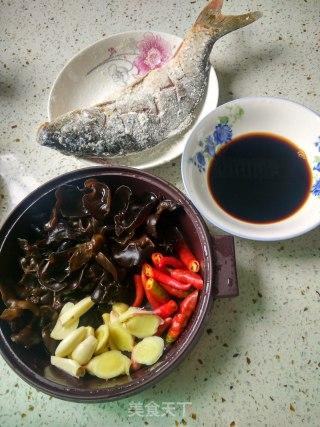 木耳烧鱼的做法_木耳烧鱼怎么做_水青青的菜谱