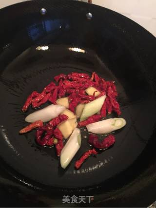红烧鲫鱼的做法_红烧鲫鱼怎么做_菜鸟的小厨房的菜谱