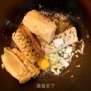 鲤鱼冻豆腐汤的做法_鲤鱼冻豆腐汤怎么做_小榴莲妈妈的菜谱