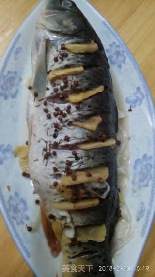 油泼大鲤鱼的做法_油泼大鲤鱼怎么做_香飘我家厨房的菜谱
