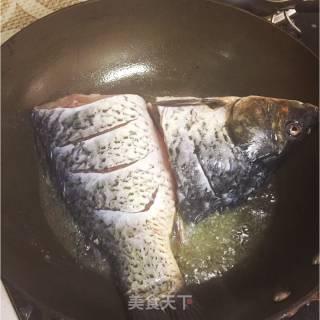 炖鲤鱼的做法_炖鲤鱼怎么做_原电池的菜谱
