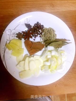 内蒙吃法炖鲤鱼的做法_内蒙吃法炖鲤鱼怎么做_上辈子我一定是个厨子的菜谱