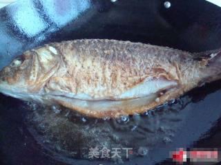 干焖鲤鱼的做法_干焖鲤鱼怎么做