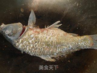 酸菜鲤鱼的做法_酸菜鲤鱼怎么做_落叶漫天飞的菜谱