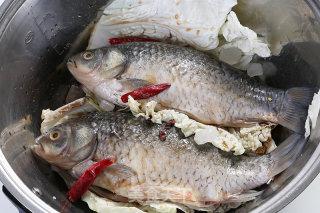 酥鲫鱼的做法_酥鲫鱼—捷赛私房菜_酥鲫鱼怎么做_捷赛私房菜的菜谱