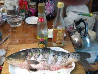简易版红烧鲤鱼的做法_简易版红烧鲤鱼怎么做