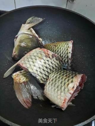 姜葱焖鲤鱼的做法_姜葱焖鲤鱼怎么做_May-May的菜谱