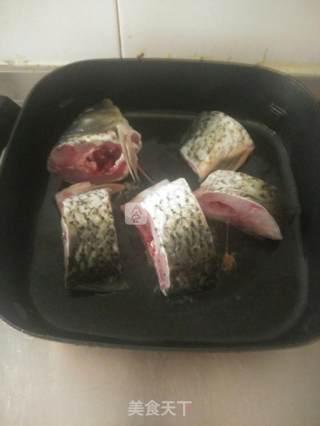 扈氏酱炖鱼的做法_扈氏酱炖鱼怎么做_Raeeee的菜谱